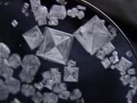 Cristales crecidos en agua