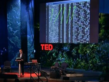 (Mikko Hyppönen presenta en TED un listado de datos de tarjetas de crédito, como los roba un cíbercriminal.)